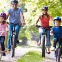 Mua xe đạp cân bằng hay xe đạp bánh phụ cho trẻ